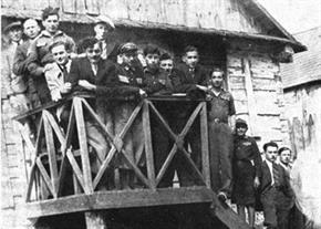 Betar members in Dereczyn Belarus abt. 1933